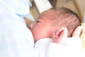母乳が出るメカニズム