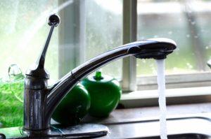 哺乳瓶、水洗いだけだと不十分?