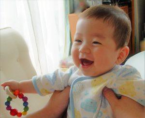 1日のうちにどのくらい赤ちゃんと遊んであげる?